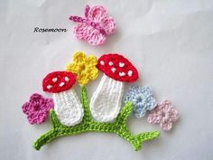 Crochet Patterns Vintage Toadstool, mushroom, butterfly, crocheted flower … Oh yes, that's lovely Love Crochet, Crochet Motif, Crochet Flowers, Crochet Stitches, Crochet Appliques, Crochet Crafts, Crochet Toys, Crochet Projects, Knit Crochet