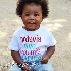 Camiseta todavía vivo con mis padres. Camiseta niños. Kids t-shirts. Custom. Personalizada. Camiseta original. Vinilo textil. Bebe. Silenole de Sileynole en Etsy