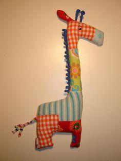 Giraffe, kraamcadeau naar aanleiding van een geboortekaartje.