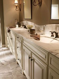 Best Screen cream Bathroom Cabinets Popular Bathroom cabinets are generally generally considered to own nearly all effect within a lavatory upgr Bathroom Design Tool, Bathroom Interior Design, Interior Ideas, Bath Cabinets, Painting Kitchen Cabinets, Cream Cabinets, Kitchen Paint, Kitchen Tips, Bad Inspiration