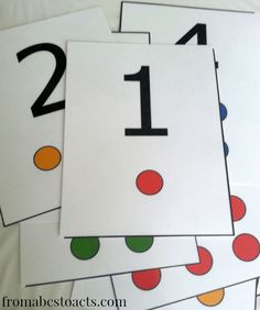 Chaos and Crackers: Tot School Tuesdays: Week 2 - Numbers - number flash cards Activities For 2 Year Olds, Number Activities, Learning Activities, Number Flashcards, Numbers 1 10, Busy Boxes, Preschool Projects, Printable Numbers, Learning Numbers