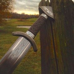 The Viking swords were among the least common artifact. Because not many Vikings could afford a Viking sword for themselves. Vikings Art, Vikings Time, Swords And Daggers, Knives And Swords, Viking Sword, Viking Warrior, Shield Maiden, Medieval Weapons, Viking Symbols