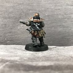 Here's one of the shotgunners finished. I think I should push myself and do more on their jackets, might go back and add a few bits like that as well as touch ups at the end. #necromunda #necromundaunderhive #gangwars #orlock #forgeworld #gamesworkshop #wip #houseorlock #combatshotgun #40k #underhive #conversion