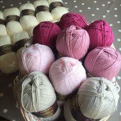 All Stylecraft Special Dk 100g/ 300m balls 3 x Raspberry 2 x Pale Rose 2 x Soft Peach 2 x Parchment 10 x Cream I used a 4mm hook