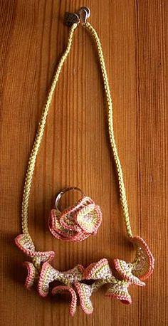 parure-frisottis-crochet collier + bague