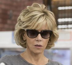 Hairstyles For Girls Jane Fonda Hair Cut.Hairstyles For Girls Jane Fonda Hair Cut Jane Fonda Hairstyles, Bob Hairstyles With Bangs, Diy Hairstyles, Haircuts, Hairstyle Ideas, Hair Ideas, Short Hair With Layers, Layered Hair, Short Hair Cuts For Women