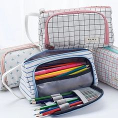Big Multi Compartment Pencil Case with Handle – Simplecutelife School Locker Organization, School Lockers, Diy Pencil Case, Pencil Pouch, Bujo Doodles, School Accessories, Diy Entertainment Center, Easy Drawings, Event Planning