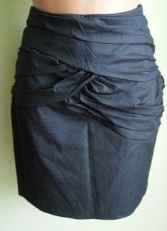 Kup mój przedmiot na #vintedpl http://www.vinted.pl/damska-odziez/spodnice/14566671-spodnica-olowkowa-szara-river-island-40