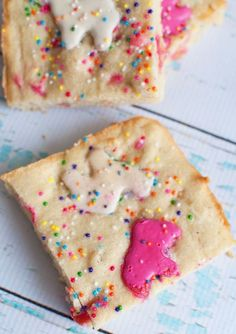 Circus Animal Cookie Blondies -- omg this is hilarious. circus cookies will always remind me of being at my nanas and eating way too many of these