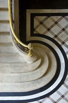 Louvre stairs #líneas #curvas #texturas