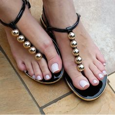 Toe Ring Sandals, Sexy Sandals, Toe Rings, Women Sandals, Flat Sandals, Beautiful Sandals, Beautiful Toes, Pretty Toes, Impala Sandy