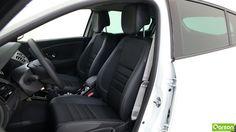 Les sièges de la Renault Mégane sont en mi-cuir à l'avant comme à l'arrière. Les sièges avant sont réglables en hauteur. En outre, l'appui lombaire peut être réglé afin de soutenir la colonne vertébrale du conducteur.