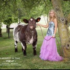 Goin showin...no matter how dressed up you get, you will always be a stock show kid. @Stephanie Close Stokes ... I can see you taking a pic like this your Senior yr :)