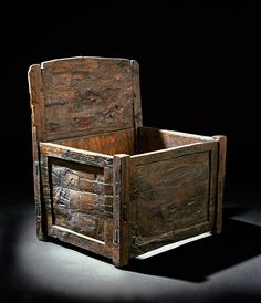 The Oseberg chair is made from beech. It consists of a box-shaped lower part and a higher back portion. The seating is lost, but was likely made from rope or bark.