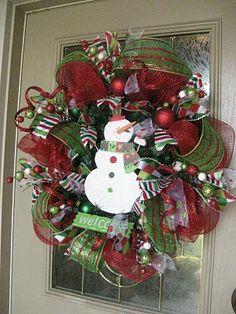 Christmas Mesh Wreath Tutorial! #christmas