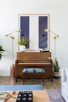 6 Creative Ways to Display Art Make A Family, Home And Family, Wall Spaces, Living Spaces, E Design, Interior Design, The 'burbs, Bedroom Dressers, California Style