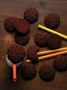 Czekoladowe ciastka z cukrem muscovado i czekoladowymi kropelkami.