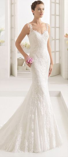 Mermaid-style lace dress with sweetheart neckline and low back, in natural/nude.