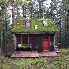 Cabins And Cottages: 20 Beautifuly Remote Cabins Perfect for People Who. Tiny Cabins, Tiny House Cabin, Cabins And Cottages, Cabin Homes, Log Homes, My House, Tiny Homes, Log Cabins, Tiny House Movement