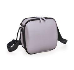 Cubic Lunchbag Silk. ¡La más tech de la serie Cubic! Soft touch.