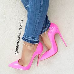 Luv dese here💯😍😍😍😍 Louboutin Pumps, Pumps Heels, Stiletto Heels, High Heels, Stilettos, Wedge Boots, Heeled Boots, Pink Panthers, Hot Shoes