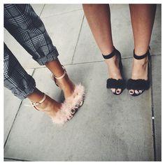 Pink feather and black fur heeled sandals - Anastassia Krez