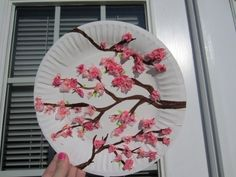 cherry blossom art - for kids craft table. Chinese New Year Crafts For Kids, Spring Crafts For Kids, Summer Crafts, Diy Crafts For Kids, Art For Kids, Around The World Crafts For Kids, Chinese Crafts, New Year's Crafts, Arts And Crafts