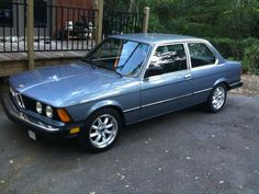A sweet BMW 320i, with ROTA RB wheels added.