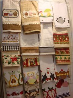If I decorate the kitchen with chickens, it apples, I could applique towels. And use the hands woven ones as the functional towels Dish Towels, Hand Towels, Tea Towels, Sewing Crafts, Sewing Projects, Diy Crafts, Amish Crafts, Applique Towels, Towel Apron
