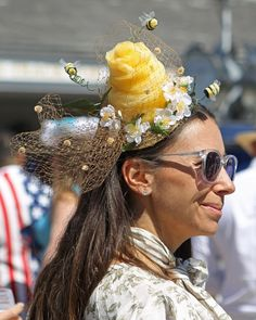 A very unique Kentucky Derby fascinator - a bee hive! Kentucky Derby Fascinator, Kentucky Derby Hats, Racehorse, Thoroughbred, Bee, Photo And Video, Unique, Instagram, Honey Bees