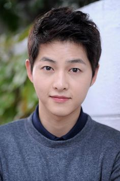 Nombre: 송중기 / Song Joong Ki, Profesión: Actor, modelo y cantante. Asian Actors, Korean Actors, Korean Dramas, Song Joong Ki Birthday, Soon Joong Ki, Les Descendants, Descendents Of The Sun, Sun Song, Songsong Couple
