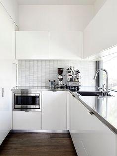pequena cozinha minimalista