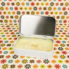 LIPS: Honey Orange Lip Balm - Tastes delicious and is extremely moisturizing. Plus, easy to make and no weird ingredients! Make Beauty, Health And Beauty Tips, Diy Beauté, Orange Lips, Sweet Orange Essential Oil, Diy Lip Balm, Homemade Beauty Products, Diy Products, Beauty Recipe