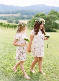 Floral Print Flower Girl Dresses | SouthBound Bride www.southboundbride.com/floral-print-flower-girl-dresses  Credit: Josh Gruetzmacher Photography via Style Me Pretty