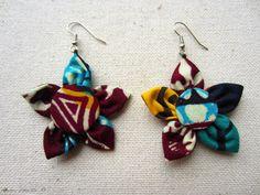 Boucles d'oreille en tissu africain à motif : Boucles d'oreille par cewax