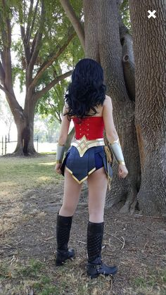 Should You Buy or Should You Make Your Costume? Wonder Woman Cosplay, Amazing Cosplay, Best Cosplay, Cosplay Costumes, Halloween Costumes, Disney Halloween, Catwoman Cosplay, Boned Corsets, Justice League Wonder Woman
