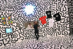 Doodling a whole room - Keith Haring style