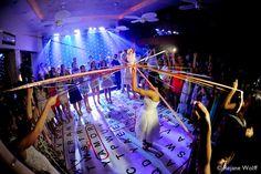 Buquê Romeu e Julieta: http://www.elo7.com.br/buque-divertido-para-casamento/dp/1CEC5B
