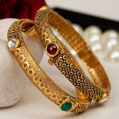 Jadtar Bangles jewellery for Women by jewelegance. ✔ Certified Hallmark Premium Gold Jewellery At Best Price Gold Bangles Design, Gold Earrings Designs, Gold Jewellery Design, Necklace Designs, Gold Jewelry, Gold Necklace, Gold Designs, Gold Bangle Bracelet, Bangle Set