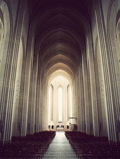 i could literally look at cathedrals all day. such gorgeous architecture.