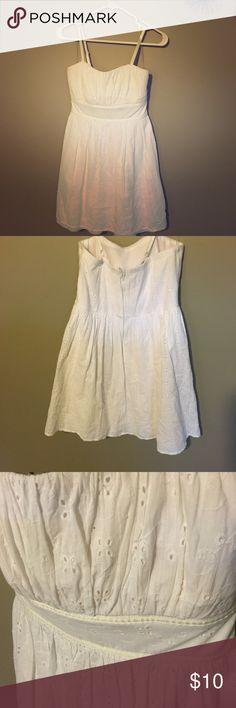 White Maurices Eyelet Dress (Dress size 7/8) Cute white knee length dress from Maurices. Maurices Dresses Midi