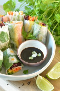Filled with crisp, colourful veg and served with a sweet and savoury dipping sauce, these fresh rice paper spring rolls make the perfect snack for afternoon munching or festive gathering. Lime Recipes, Summer Recipes, Asian Recipes, Ethnic Recipes, Quick Healthy Snacks, Vegan Snacks, Healthy Recipes, Healthy Meals, Rice Paper Rolls Fillings
