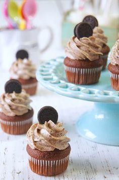 Ideas Cheese Cake Oreo Cupcakes Cookies And Cream Oreo Cupcakes, Oreo Cake, Cupcake Cookies, Köstliche Desserts, Delicious Desserts, Tassen Brownie, Mini Cupcake Bouquets, Cake Pops, Fudge