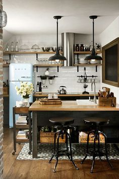 Small Industrial Kitchen Design Layout With Wood Island And Floating Shelves Featuring Exposed Brick Walls 5 Deadly Mistakes of Small Kitchen Design Homeowners Commonly Make, Small kitchen design plans, Small square kitchen design layout pictures New Kitchen, Kitchen Dining, Compact Kitchen, Kitchen Small, Loft Kitchen, Kitchen Black, Petite Kitchen, Kitchen Interior, Urban Kitchen