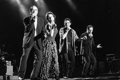 17 de agosto de 1996. Serrat, Ana Belén, Miguel Ríos y Víctor Manuel actúan en Barcelona en un concierto de la gira El gusto es nuestro.  JOSEP LLUIS SELLART