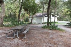 Whether it's during your weekday lunch break or on an excursion with the family, Wekiwa Springs State Park in Apopka, FL is a great spot for a picnic.