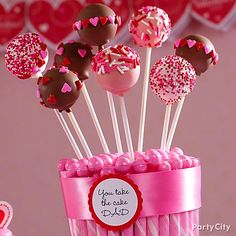 Take the guesswork out of creating cute desserts! Use a cake pops kit to create a cute Valentines Day bouquet!