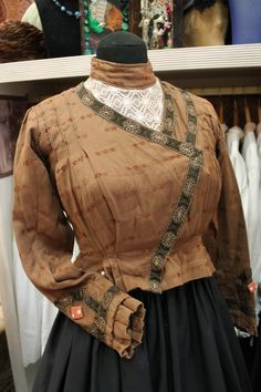 Discover recipes, home ideas, style inspiration and other ideas to try. Antique Clothing, Belle Epoque, Couture, Style Inspiration, Regional, Jackets, Outfits, Clothes, Vintage