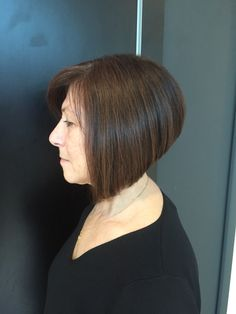 Bob graduated cut hairstylist Fiorio square one work texturized volume