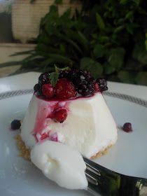 Radici di zenzero: Mini bavarese al limoncello e frutti di bosco ( Limoncello and berries pudding)